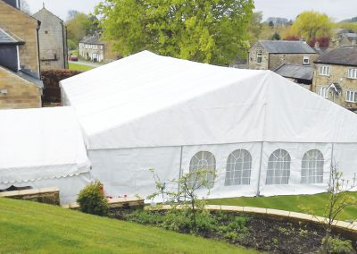 marquee-in-the-countryside